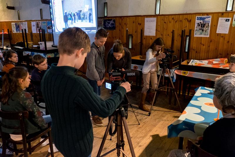 Zenfolio gemeenteschool 39 t blokje we maken kennis met de wereld van tv en film - Meubilair tv thuis van de wereld ...